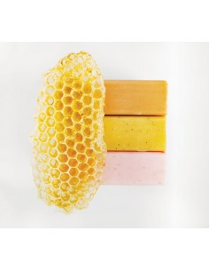 Mydło peelingujące z pyłkiem pszczelim i miodem, Lullalove